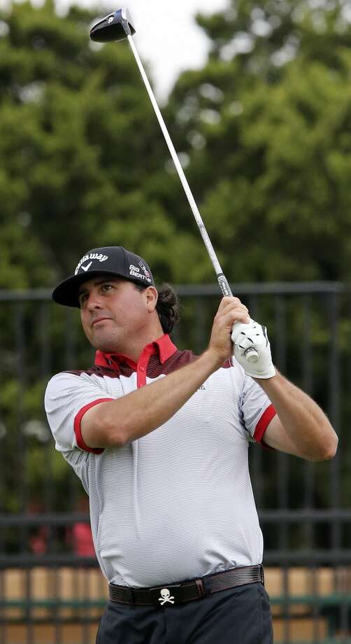 Pat Perez watches his tee shot on No. 10 during the first round of the 2014 Valero Texas Open Thursday March 27, 2014 at TPC San Antonio. Photo: Edward A. Ornelas, San Antonio Express-News