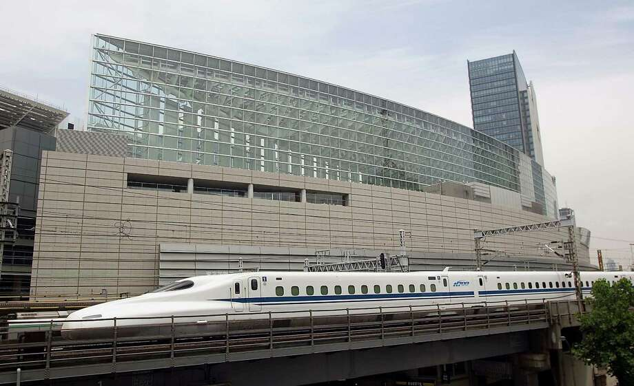 Texas Central Railway's proposed bullet train would connect DFW and Houston in about 90 minutes. / JR Central