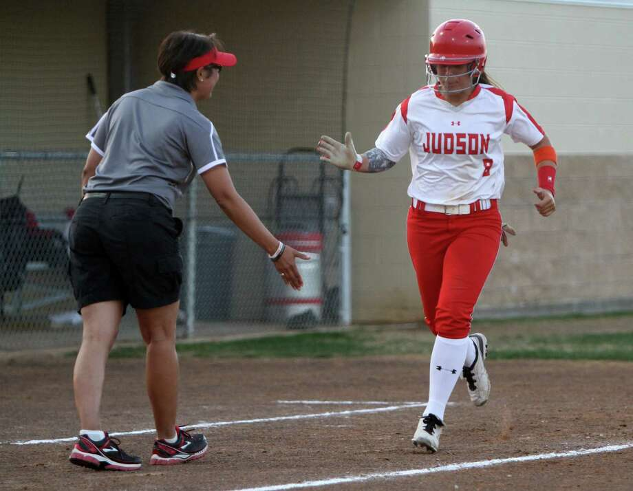 Brenda Iparraguirre (right) has been one of Judson's top bats as the Rockets have rolled to a 21-5 record so far this season. Photo: Greg Bell / For The Express-News