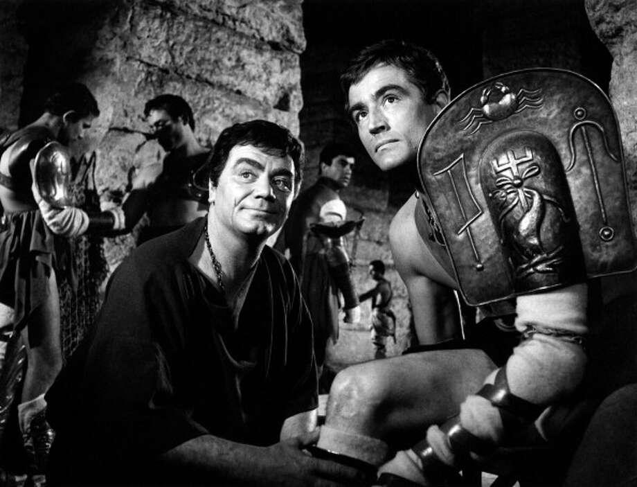 The Italian-Ameican actor Ernest Borgnine attending the Italian actor and director Vittorio Gassman in the film Barabbas. Rome, 1961  Photo: Mondadori, Mondadori Via Getty Images / Mondadori