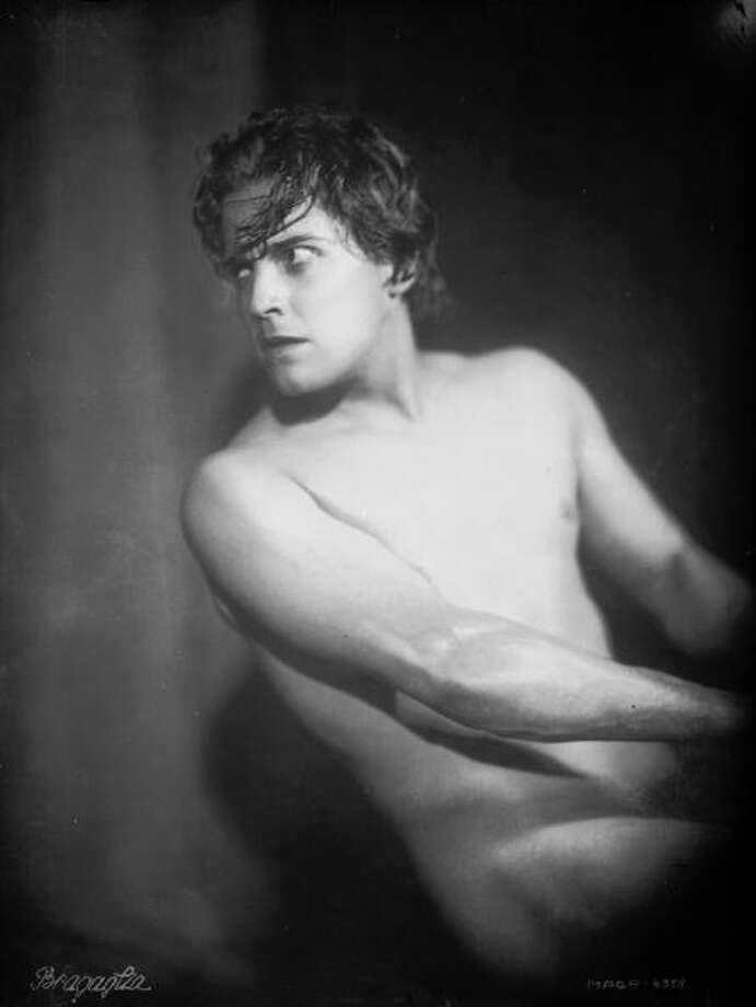 1925:  Mexican heart-throb Ramon Novarro (1899 - 1968) plays the beleaguered hero of the Roman epic 'Ben-Hur', directed by Fred Niblo.  Photo: Bragaglia, Getty Images / Moviepix