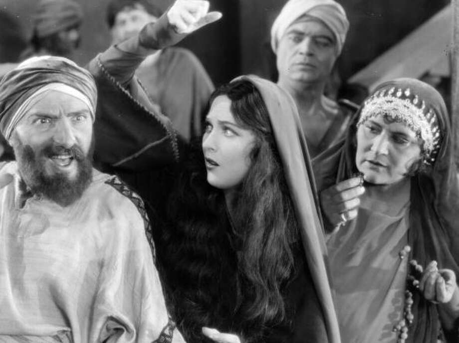 1927:  A mob scene from the biblical epic 'King of Kings', which tells the story of life of Jesus as seen through the eyes of Mary Magdalene.  In the silents, they knew how to do mob scenes. Photo: Hulton Archive, Getty Images / Hulton Archive