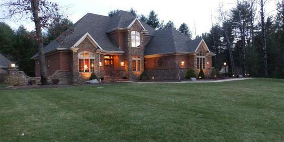 $875,500.3 GARNET MINE CT, Moreau, NY 12831. Open Sunday, March 30 from 1:00p.m. - 4:00 p.m.View this listing. Photo: CRMLS