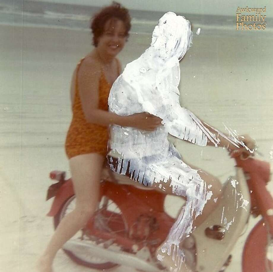 Photo: California Heritage Museum / Awkward Family Photos
