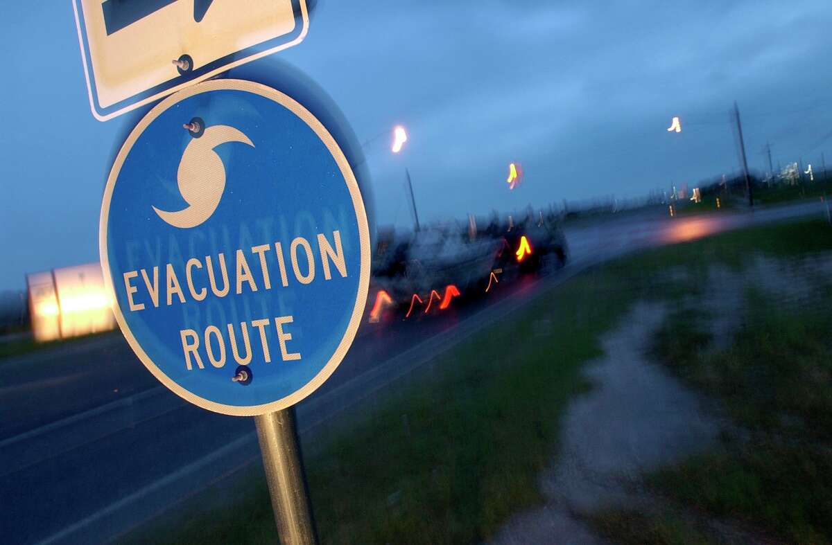 Residents of Rockport,TX use one of the area hurricane evacuation routes Tuesday morning to leave the area after overnight predictions have hurricane Claudette making landfall in the area later in the afternoon. 7/15/03 Karl Stolleis/Houston Chronicle