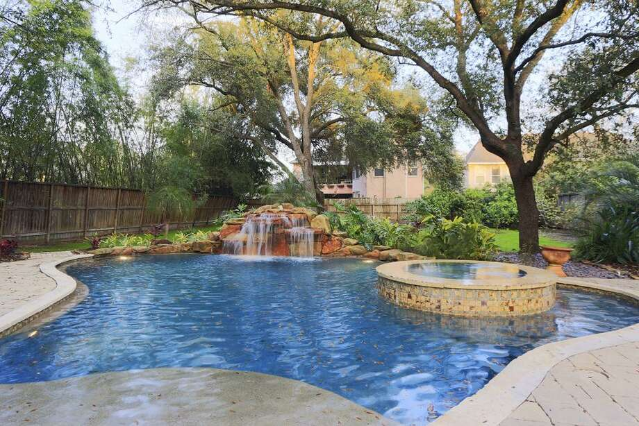 505 Bolivar: This 2006 home has 5-6 bedrooms, 6.5 bathrooms, and 6,833 square feet. Listed for $2,790,000. Open house: 3/30/2014, 1 p.m. to 3 p.m. Photo: Houston Association Of Realtors