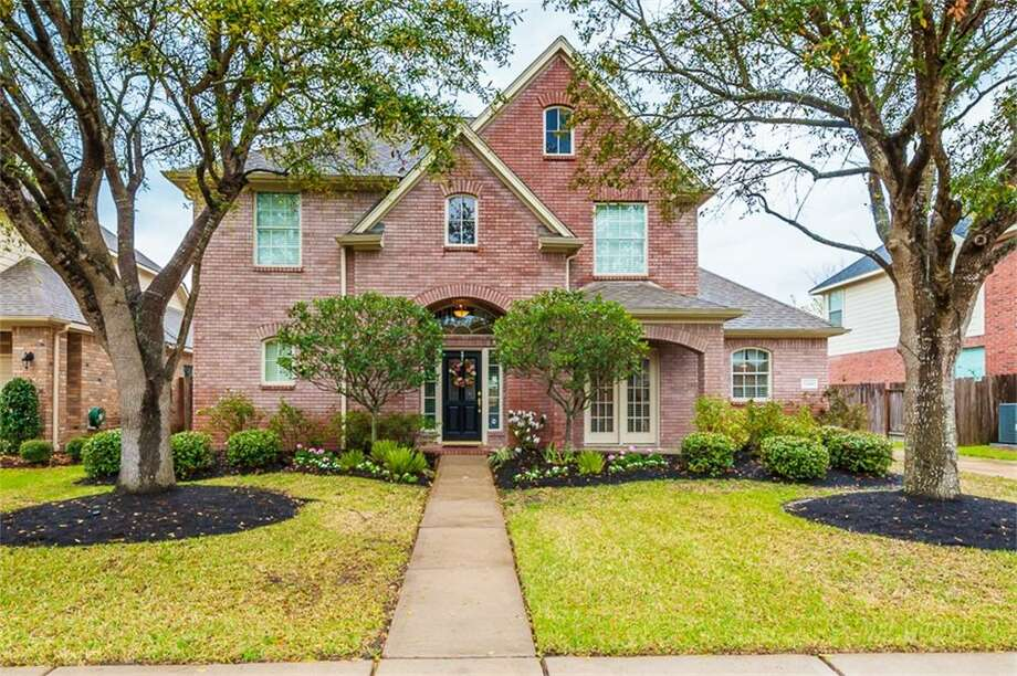 22410 Piper Terrace: This 1998 home has 4 bedrooms, 2.5 bathrooms, and 2,754 square feet. Listed for $339,000. Open house: 3/30/2014, 2 p.m. to 5 p.m. Photo: Houston Association Of Realtors