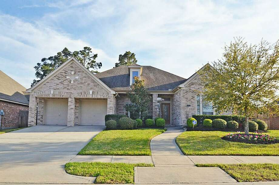 13323 Lilac Breeze: This 2007 home has 4 bedrooms, 3 bathrooms, and 3,175 square feet. Listed for $272,000. Open house: 3/30/2014, 2 p.m. to 4 p.m. Photo: Houston Association Of Realtors
