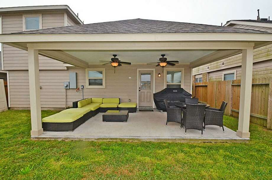 11435 Elizabeth Brook: This 2010 home has 4 bedrooms, 2.5 bathrooms, and 2,119 square feet. Listed for $189,900. Open house: 3/30/2014, 1 p.m. to 3 p.m. Photo: Houston Association Of Realtors