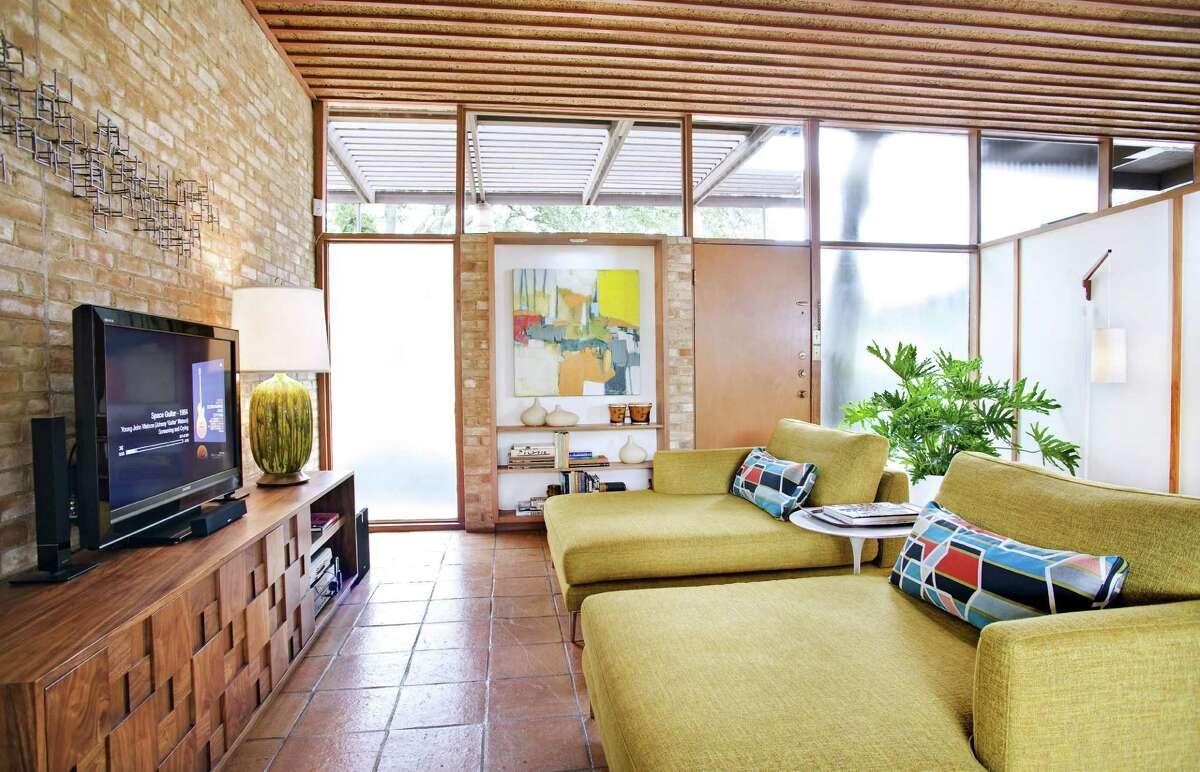 Another Terrell Hills house by architect Milton Ryan, now called Casa Nido, was redone by owners John Allison and Douglas Galloway. The midcentury modern design aficionados appreciate the materials and clean design of the house.