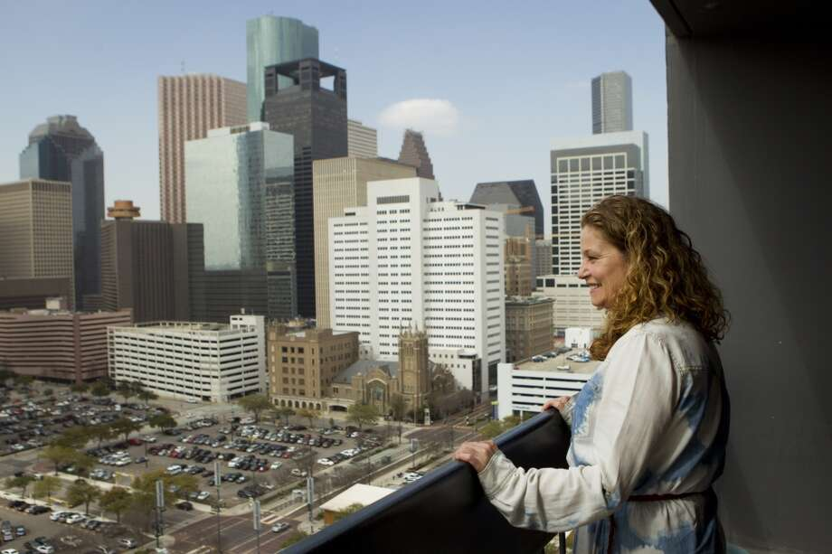 Texas ranks as No. 22 in terms of the highest wage required to pay rent for a two-bedroom apartment ($16.77/hour). See which states make the top 10, and just how much people are expected to make, according to the National Low Income Housing Coalition. Photo: Brett Coomer, Houston Chronicle