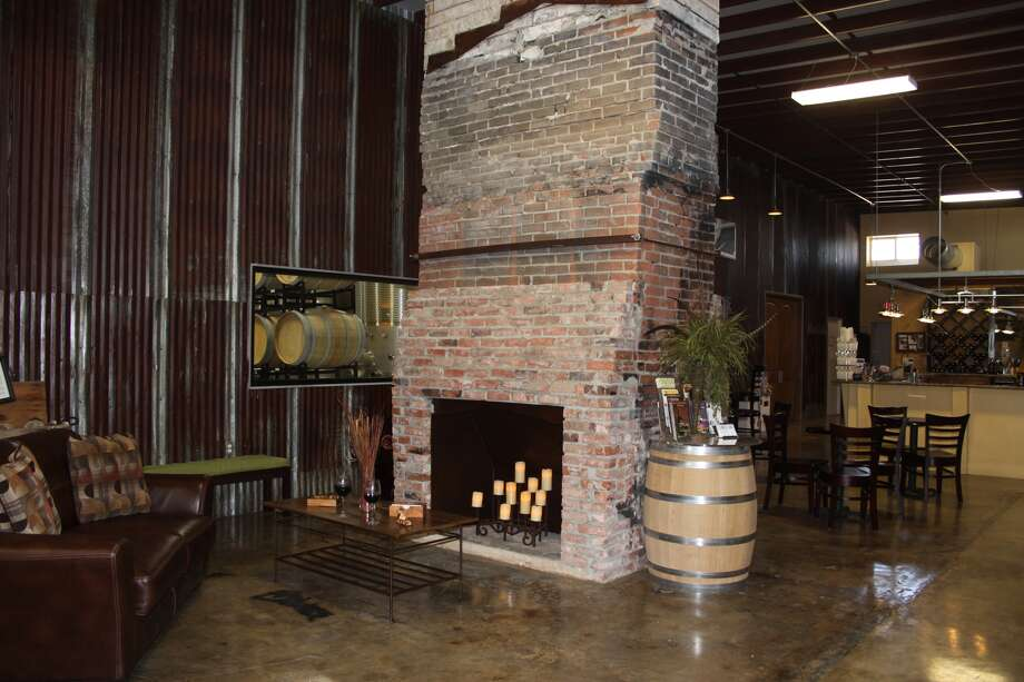 Kerrville Hills WineryEstablished 2008Hours: Thurs - Monday 11:00 to 6:00 3600 Location: Fredericksburg Road, Kerrville, TX 78028 Phone: (830)-895-4233 Website: kerrvillehillswinery.com