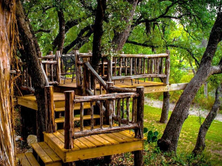Singing Water VineyardsEstablished in 1998 Hours: Thur - Sat 11-6 Sun 12-5 Mon 11-6 Location: 316 Mill Dam Rd. Comfort, TX 78013 Phone: (830)-995-2246 Website: singingwatervineyards.com Photo: Picasa, Courtesy