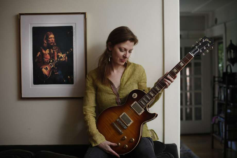 Galadrielle Allman, above, of Berkeley is the daughter of Allman Brothers Band founder Duane Allman, left, who died in a crash when she was 2. Photo: Lea Suzuki, The Chronicle