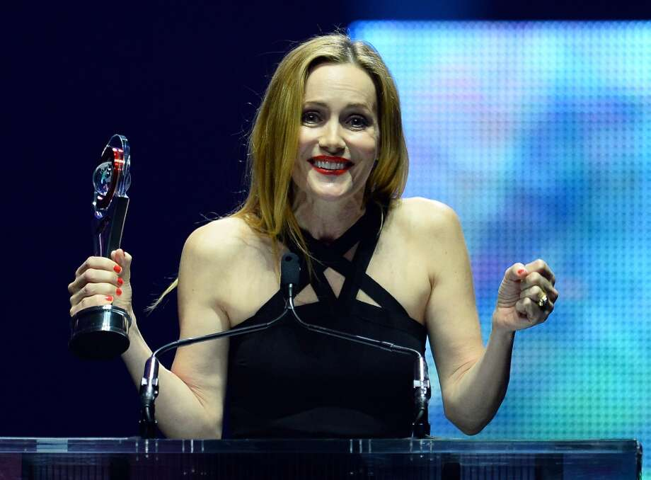 Actress Leslie Mann accepts the Comedy Star of the Year award at The CinemaCon Big Screen Achievement Awards at The Colosseum at Caesars Palace on March 27, 2014 in Las Vegas, Nevada. Photo: Ethan Miller, Getty Images For CinemaCon