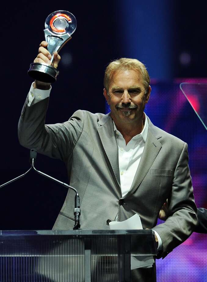 Actor Kevin Costner accepts the Cinema Icon Award at the Big Screen Achievement Awards at CinemaCon 2014 on Thursday, March 27, 2014 in Las Vegas. Photo: Chris Pizzello, Associated Press