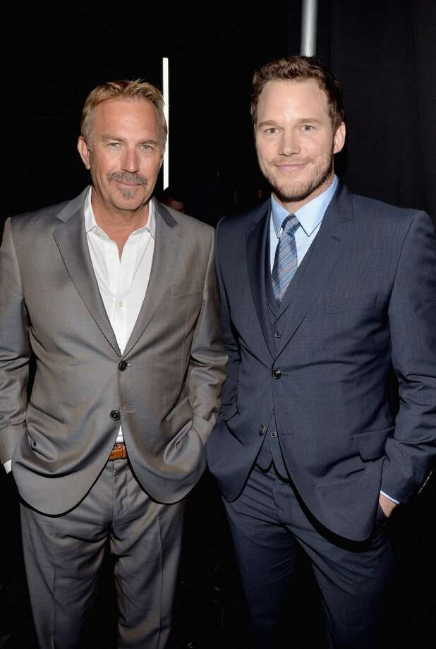 Actors Kevin Costner (L) and Chris Pratt attend The CinemaCon Big Screen Achievement Awards on March 27, 2014 in Las Vegas, Nevada. Photo: Michael Buckner, Getty Images For CinemaCon