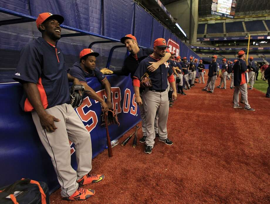 Dexter Fowler laughs with teammates before the game. Photo: Karen Warren, Houston Chronicle