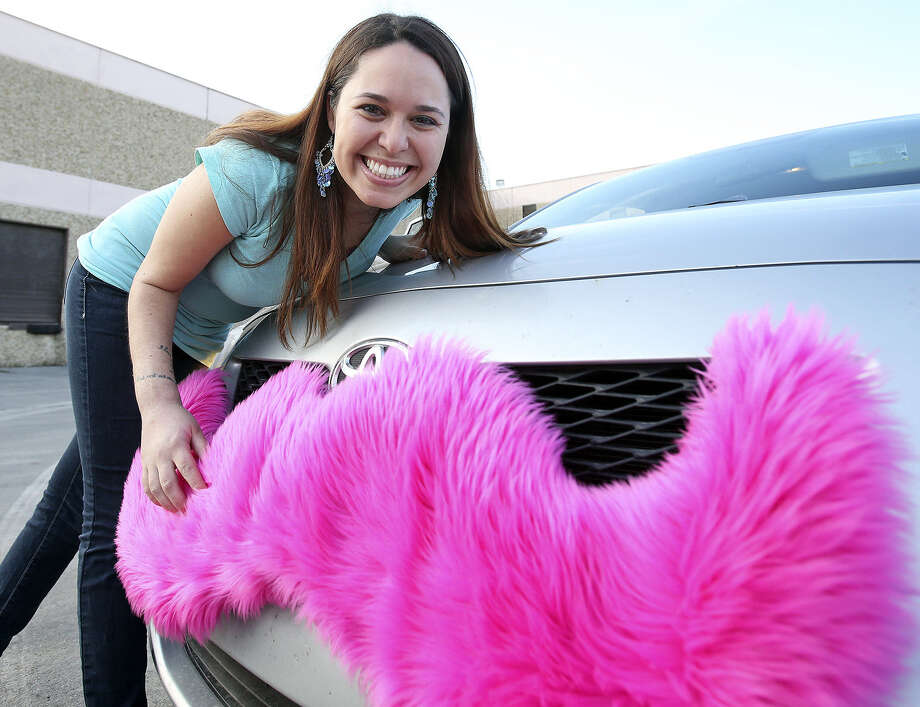 Let Lyft and other ride-sharing services safely operate in San Antonio with changes to city policy. Photo: Tom Reel / San Antonio Express-News
