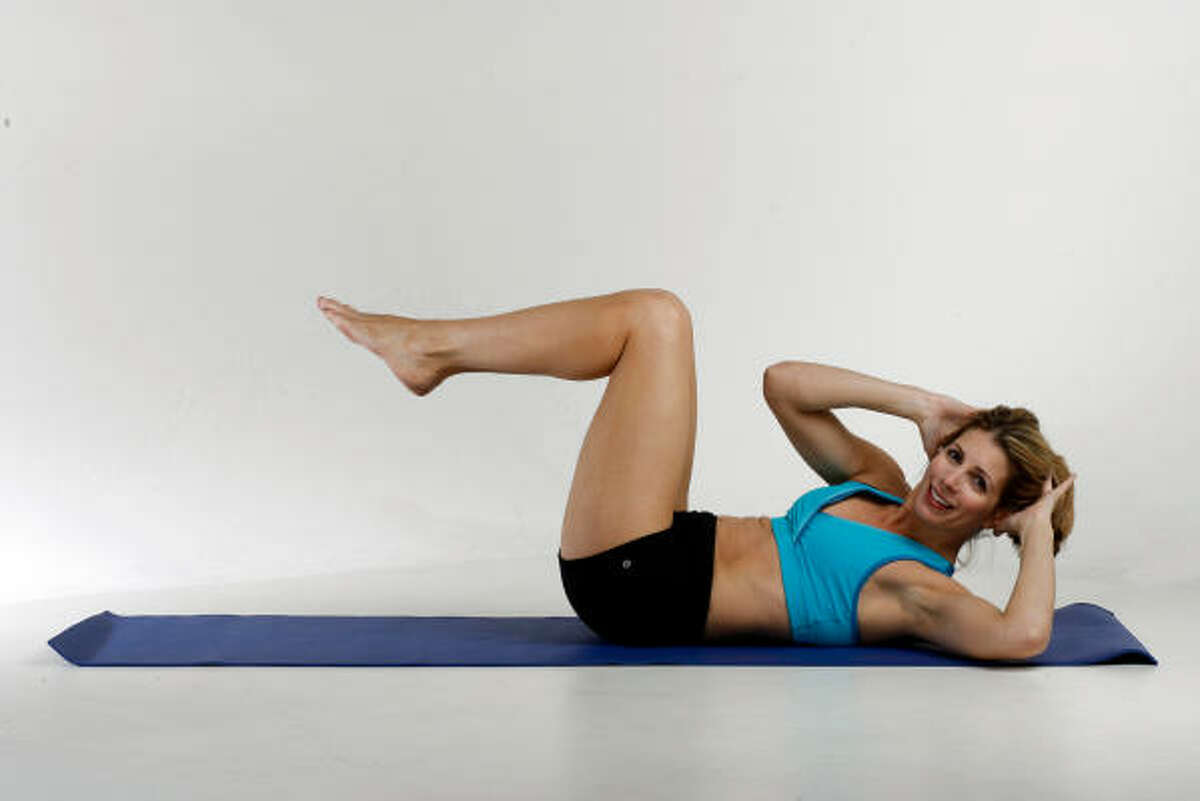 CRISSCROSS: Exhale as you twist from bottom rib so torso moves left elbow to right knee, armpit to knee. Deepen twist on every set. Slow down tempo and hold twist.