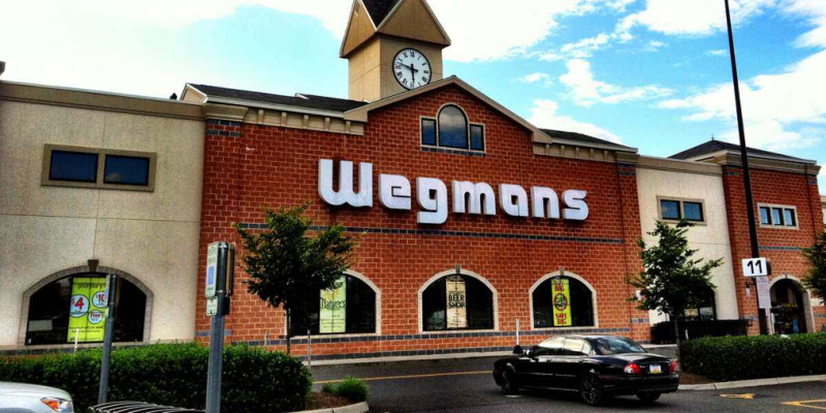 The best grocery stores, according to the American Customer Satisfaction Index 1. Wegmans Satisfaction score 2015: 86 percent 2014: 85 percent Source: ACSI