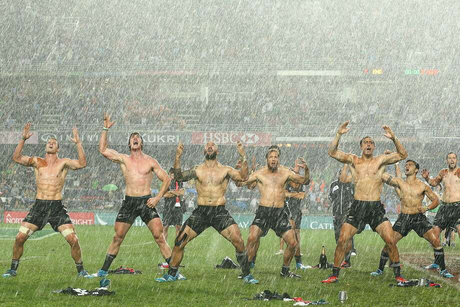 HONG KONG - MARCH 30:  The New Zealand team perform the Haka after winning the Cup Final between England and New Zealand during the 2014 Hong Kong Sevens at Hong Kong International Stadium on March 30, 2014 in Hong Kong, Hong Kong.  (Photo by Cameron Spencer/Getty Images) *** BESTPIX *** Photo: Cameron Spencer, Getty Images