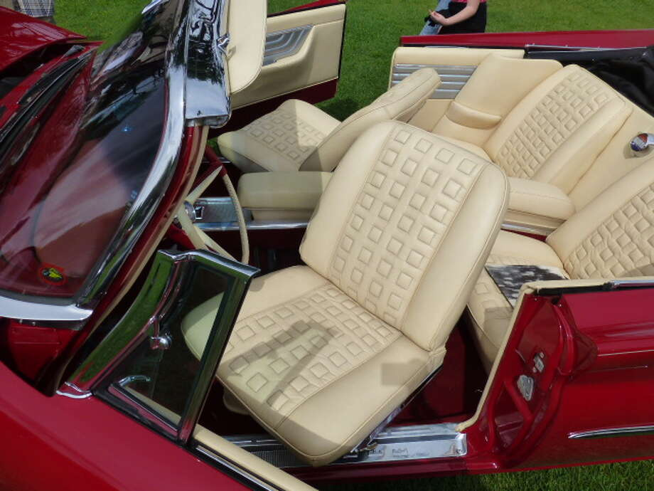 The Chrysler 300G has factory-installed swiveling front seats.