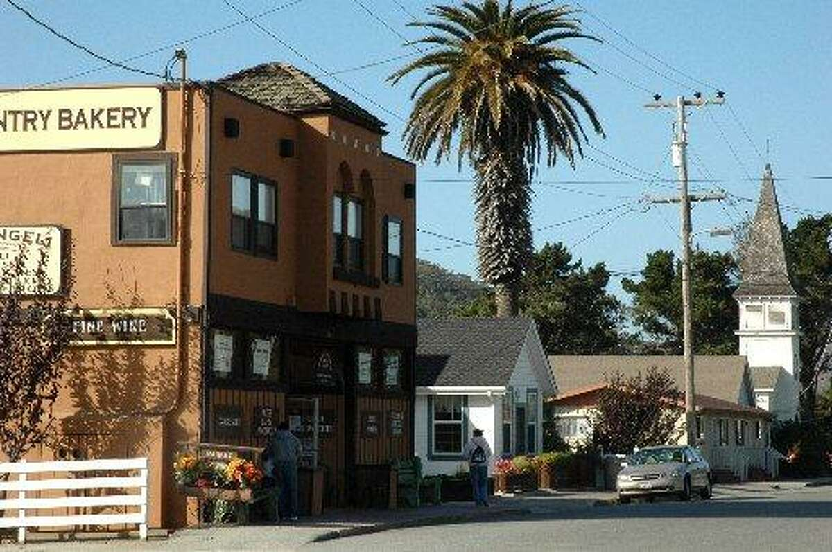White picket fences, a steepled church and a quaint main drag - this artichoke-growing community located two miles inland from the San Mateo Coast has that 'small-town' feeling down pat.