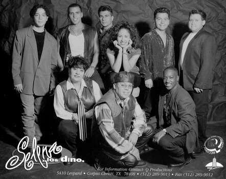 Selena Y Los Dinos, press photo copy distributed by EMI Latin record label. / E/N FILE PHOTO