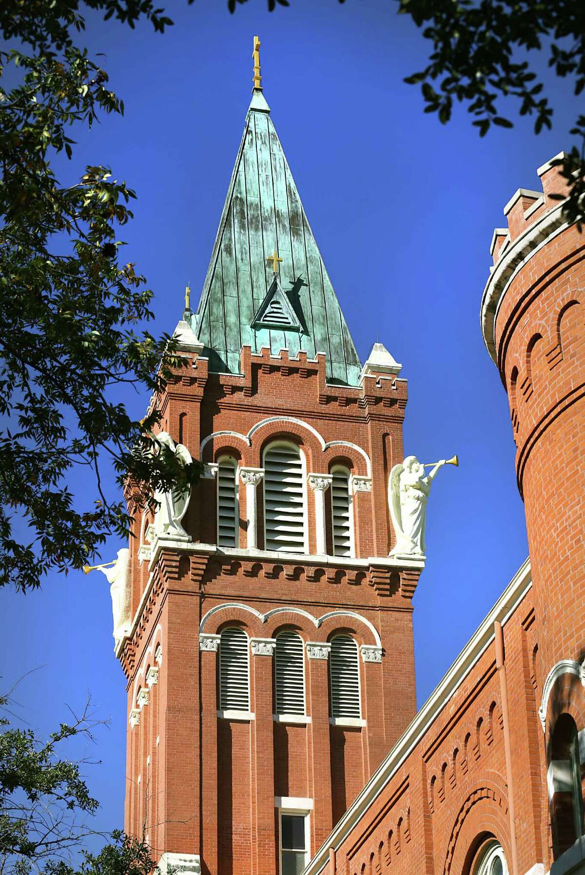66. University of The Incarnate Word 2013 cost: $164,000 20-year return of investment: $110,800 Graduation rate: 47 percent Source: Pay Scale