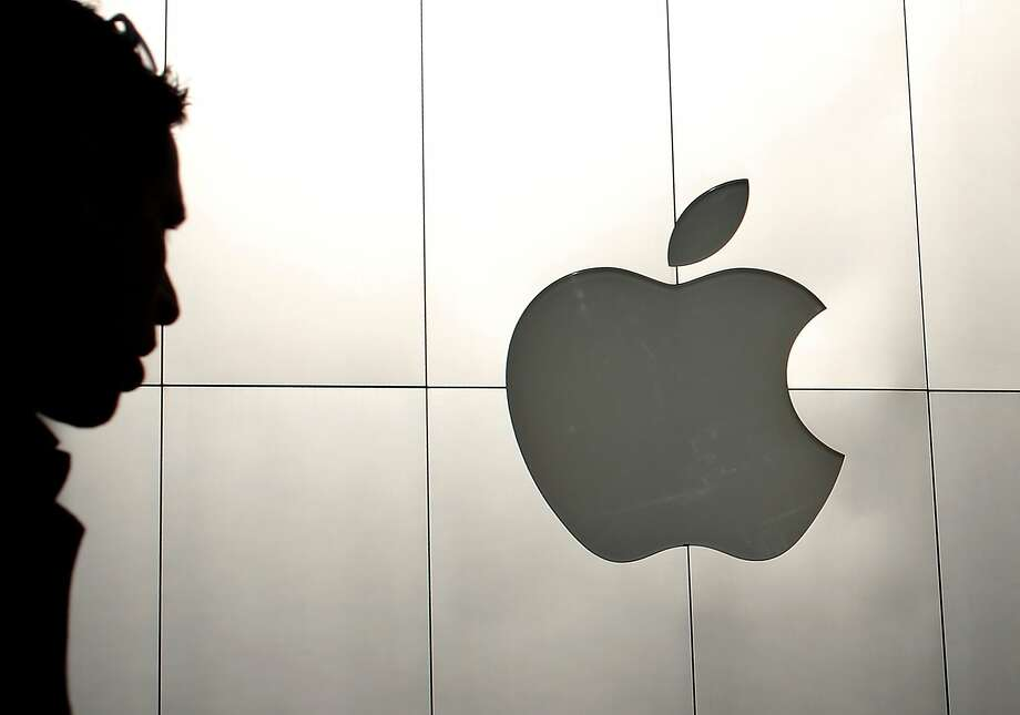 Apple now holds 9.7 percent of total corporate cash outside the financial industry. Photo: Justin Sullivan, Getty Images