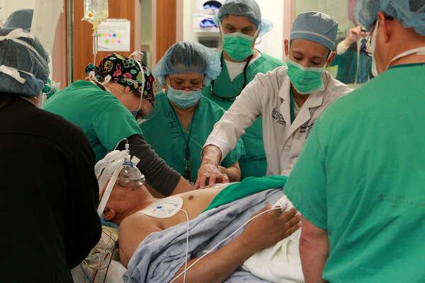Contemporary Risk of Implantable Cardioverter Defibrillators |Defibrillator Surgery Risks