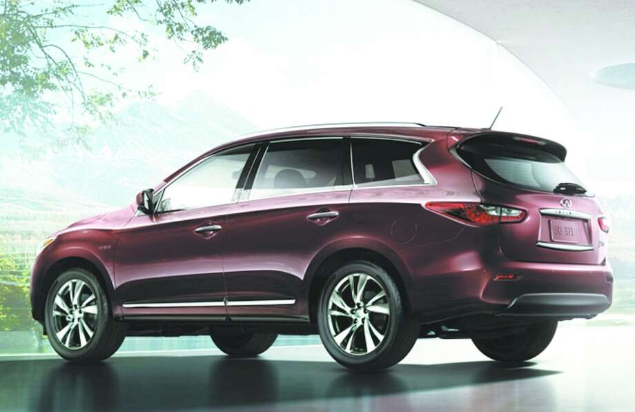 Infiniti QX60Model year being recalled:2014Number of vehicles being recalled:6,400Reason for recall:Software glitch could deactivate front passenger airbag