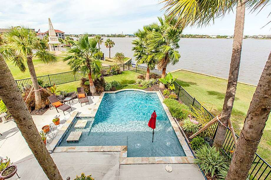 757 Pegasus: This 2011 home has 4-5 bedrooms, 3.5 bathrooms, 4,093 square feet, and is listed for $974,000. Photo: Houston Association Of Realtors