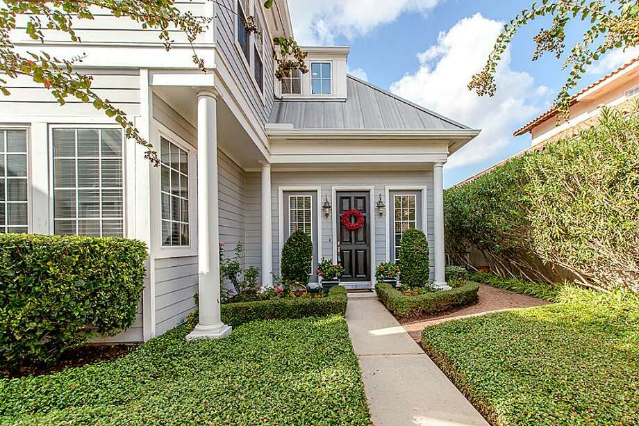 618 Northport: This 1997 home has 4 bedrooms, 3.5 bathrooms, 4,300 square feet, and is listed for $774,900. Photo: Houston Association Of Realtors