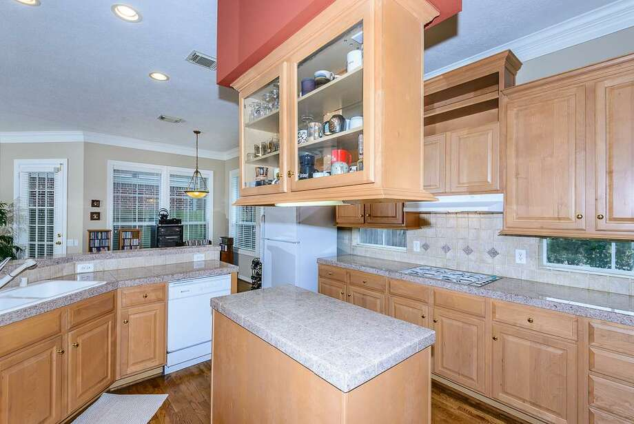 1301 Ketch: This 2000 home has 3 bedrooms, 2.5 bathrooms, 2,827 square feet, and is listed for $269,800. Photo: Houston Association Of Realtors