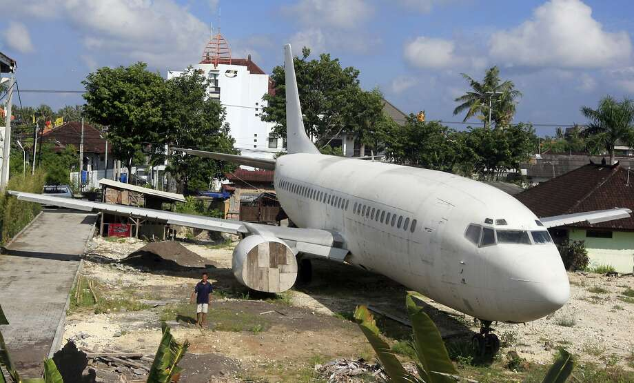 Enjoy our airline food!An Indonesian business man is planning to convert this old Boeing 737-400 into a cinema and 