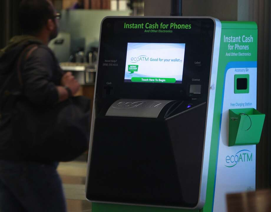 One of the 900 ecoATM machines across the U.S. is at Westfield S.F. Centre. Photo: Paul Chinn, The Chronicle