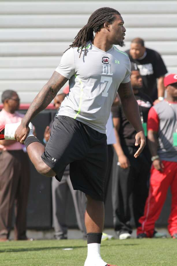 Clowney gets ready to compete in a drill. Photo: Mary Ann Chastain, Associated Press