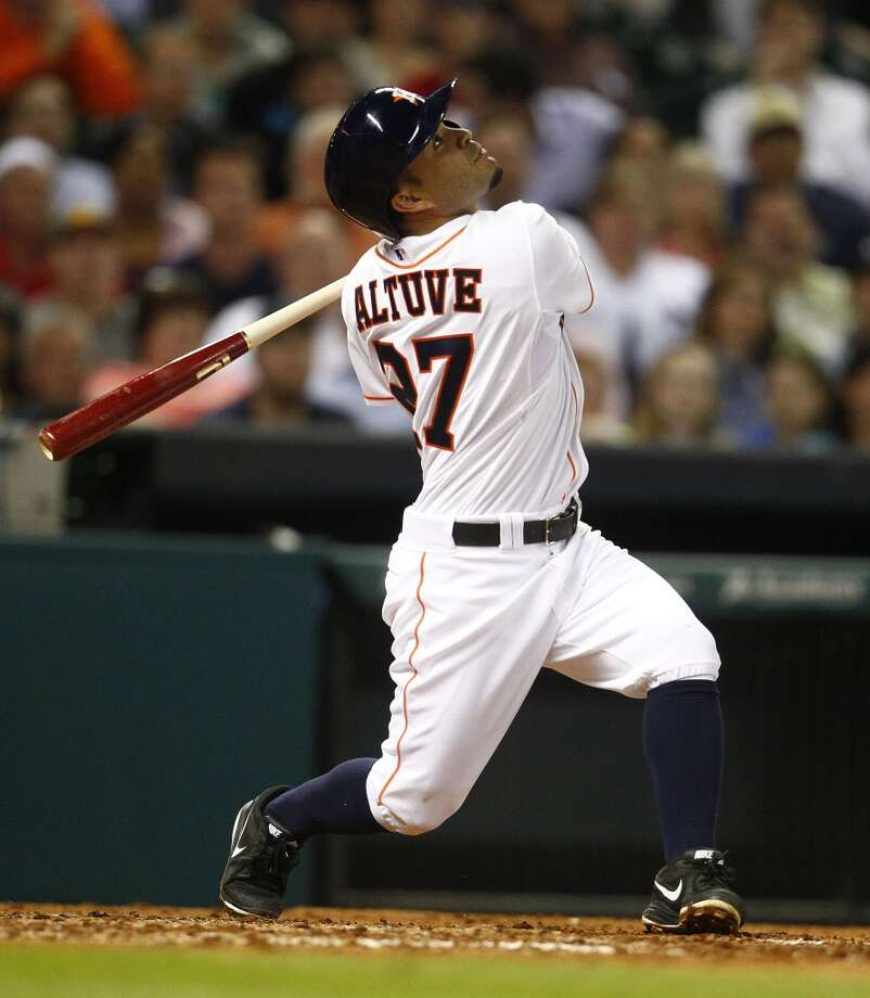 Astros second baseman Jose Altuve takes a swing against the Yankees. Photo: Karen Warren, Houston Chronicle