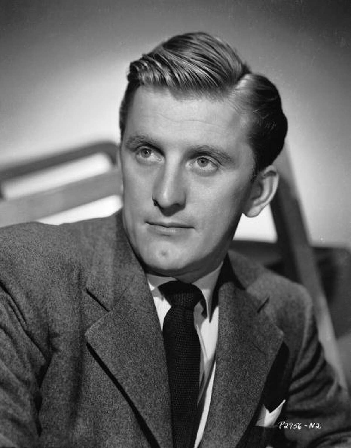 circa 1945: American actor Kirk Douglas, who portrayed artist Vincent Van Gogh in 'Lust for Life'.