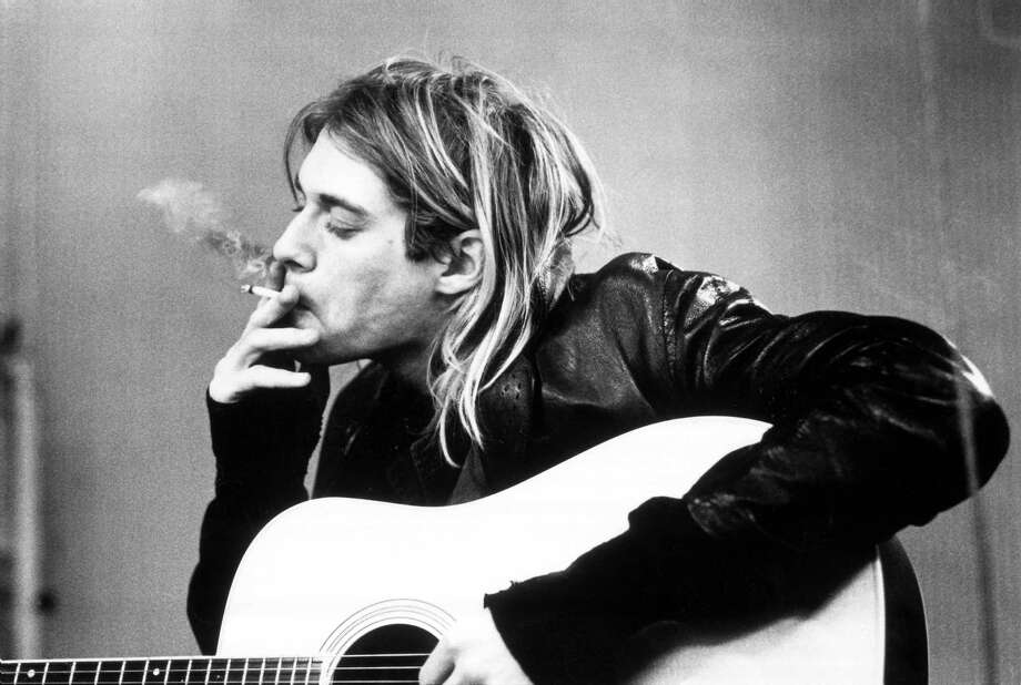 Kurt Cobain recording in Hilversum Studios in Holland, Nov. 25, 1991. Photo: Michel Linssen, Redferns / Redferns