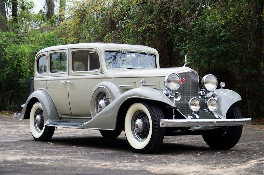 1933 LaSalle 345C sedan. Photo: Motostalgia Auctions