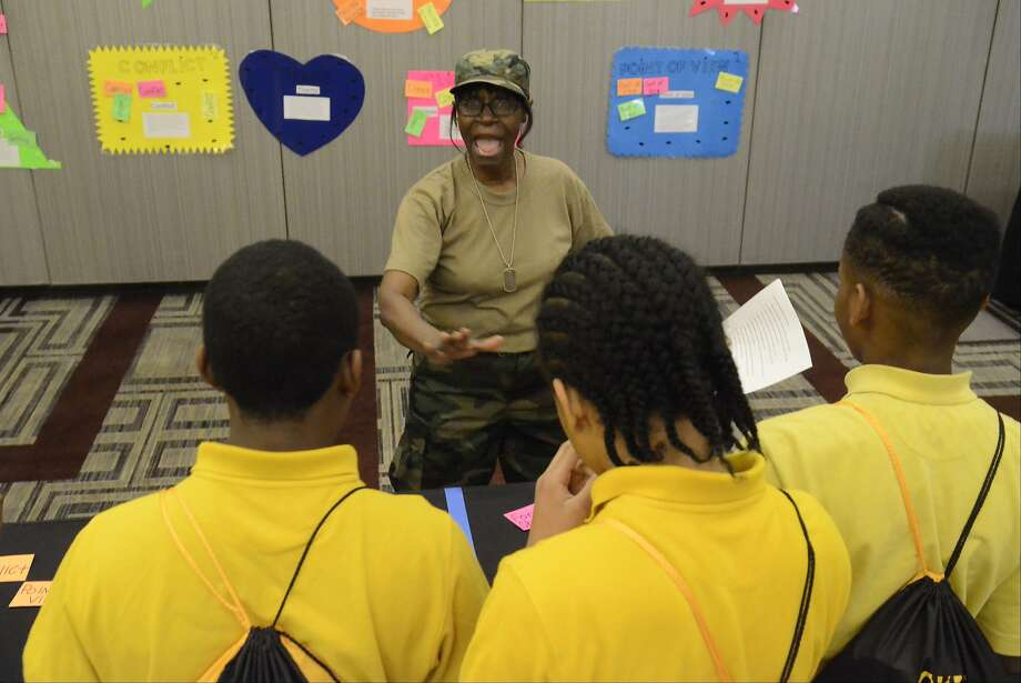 Drop and give me 20 sentence diagrams, maggots! English teacher Mae Pardlow barks out 