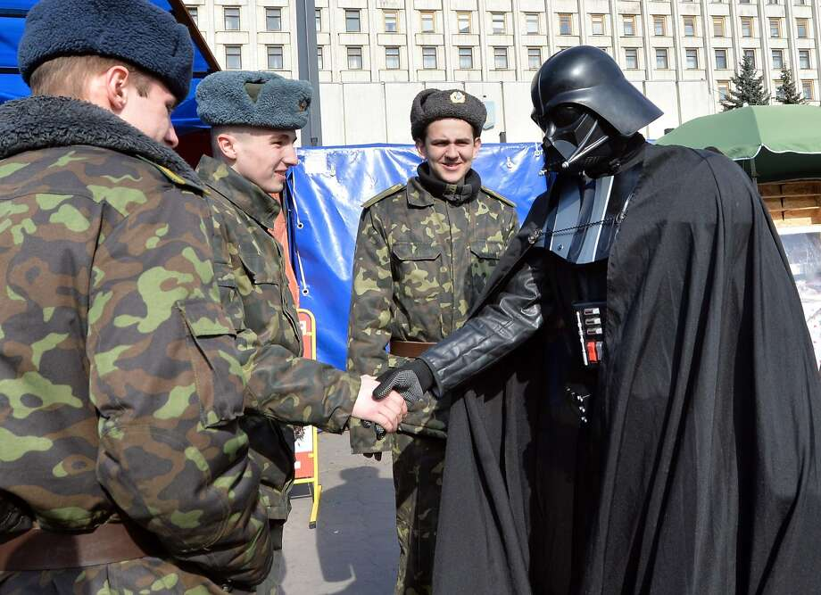 Those who vote for me will NOT have their windpipes blocked by the Dark Side:A man 