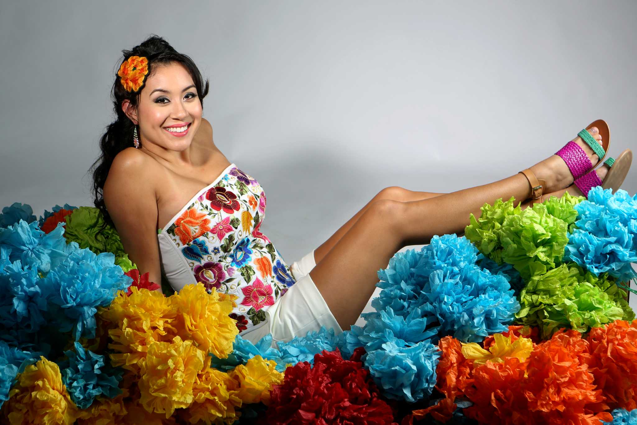 How To Dress For San Antonio S Fiesta Houston Chronicle