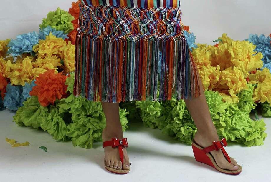 How To Dress For San Antonio S Fiesta Houston Chronicle