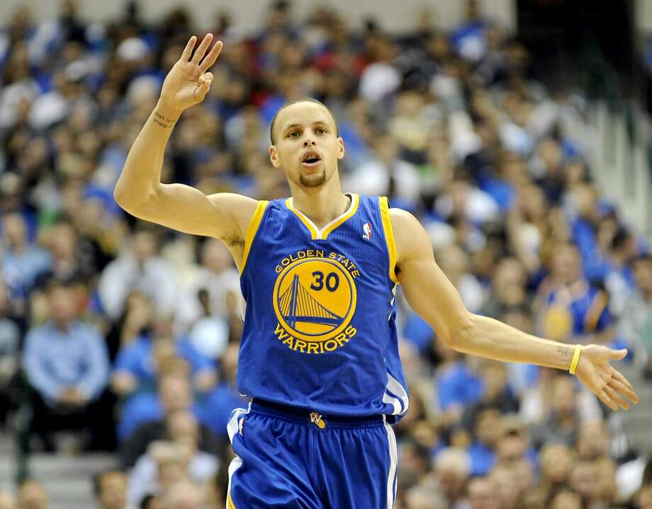 Stephen Curry and the Warriors donate three mosquito nets for each three-pointer he makes. Photo: Matt Strasen, Associated Press