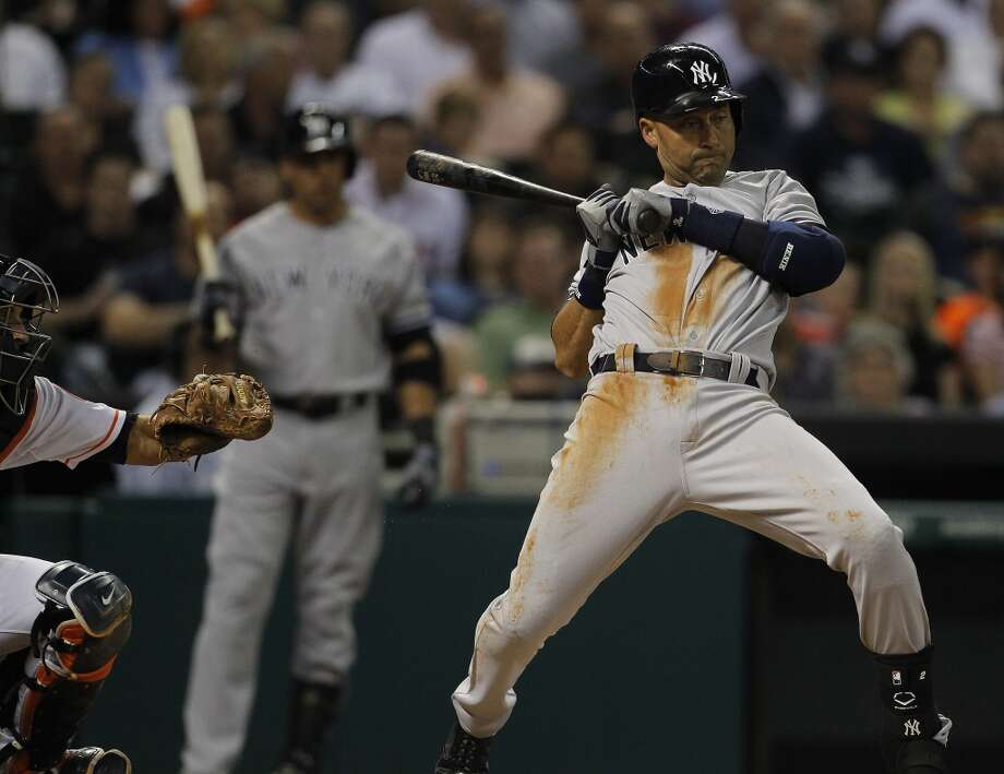 Yankees shortstop Derek Jeter at bat. Photo: Karen Warren, Houston Chronicle