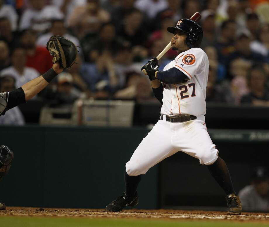 Astros second baseman Jose Altuve at bat. Photo: Karen Warren, Houston Chronicle